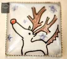 xmas_glass_cabochon_pin_handmade_pattern_3_reindeer