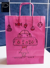 xmas_paper_bag_handdrawn_9_girl_cookies