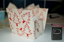 diy_paper_bag_pattern_xmas_present_9