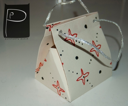 diy_paper_bag_pattern_xmas_present_4