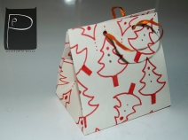 diy_paper_bag_pattern_xmas_present_2