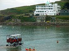220px-Sea_Tractor_and_Burgh_Island_Hotel_on_Burgh_Island,_Devon,_England